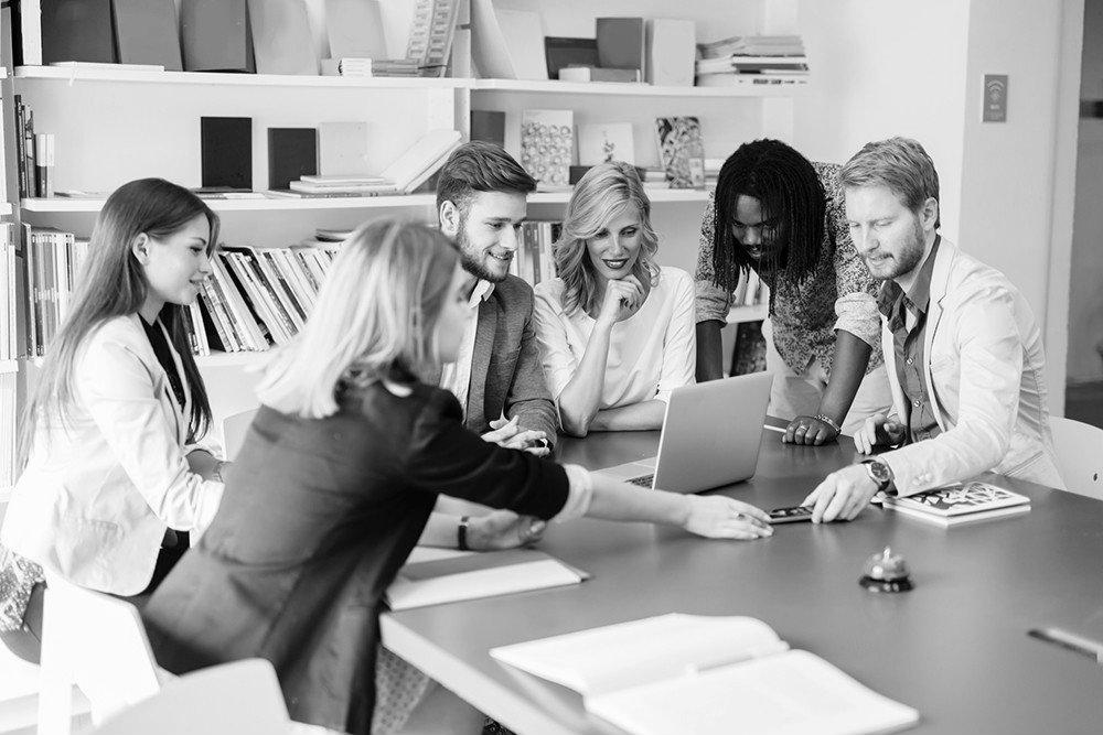 """Inteligência coletiva: como engajar a equipe e ter uma """"mente colmeia""""?"""