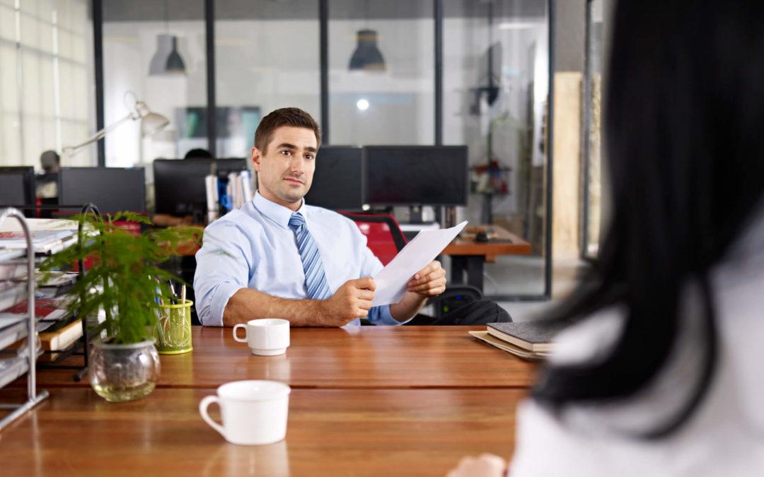 Como conduzir uma revisão de desempenho da sua liderança?